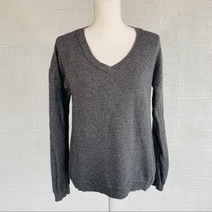 Banana Republic Gray Cashmere Sweater VNeck Small